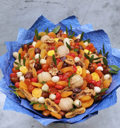 Букет «Фьюжн Марокко» из вишни и арахиса